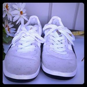 Puma G. Vilas Sneakers size 11